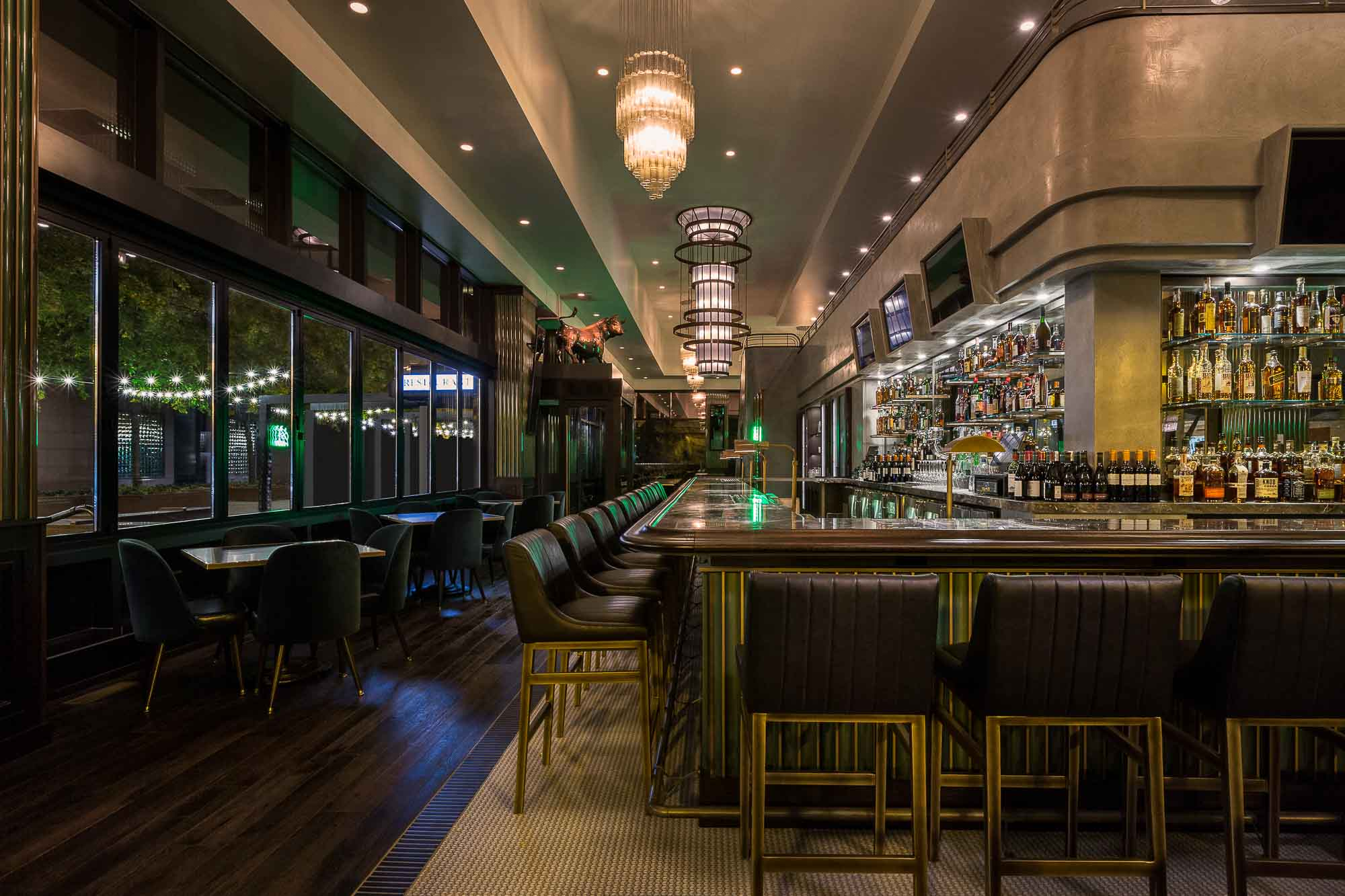 555 International @ Taureaux Tavern / Chicago, USA - Eric ...